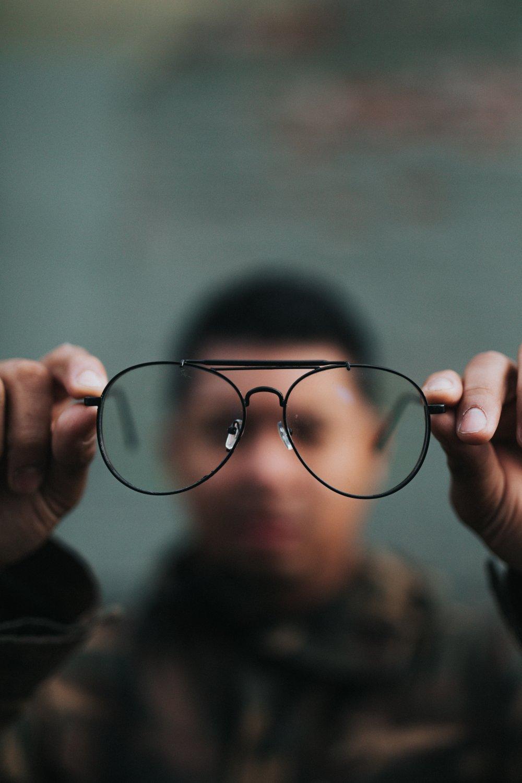 Besök en duktig ögonspecialist