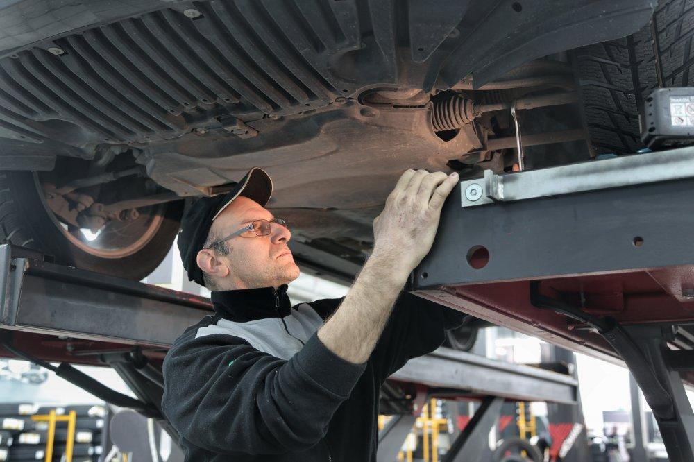 Ge bilen lite kärlek med bilreparation i Farsta
